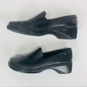 Clarks Womens Black Casual Loafers Size 7M  71312
